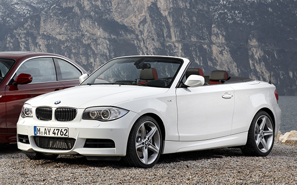 download BMW 135i Convertible with iDrive workshop manual