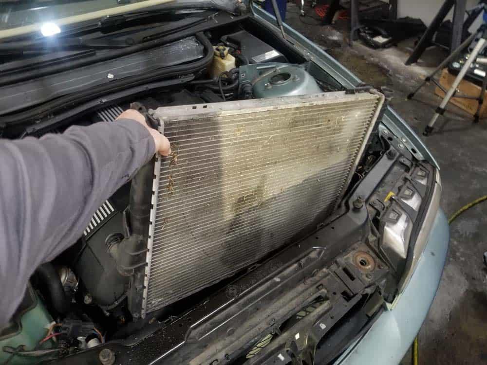 download BMW 323i Sedan workshop manual