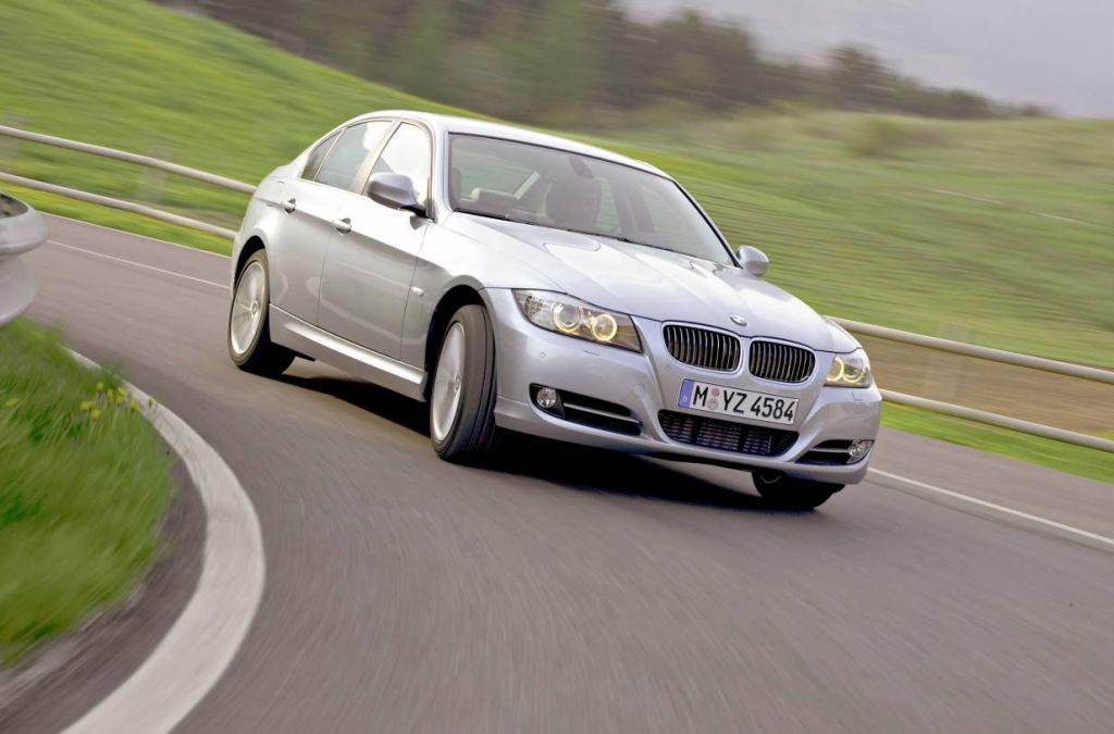 download BMW 323i workshop manual