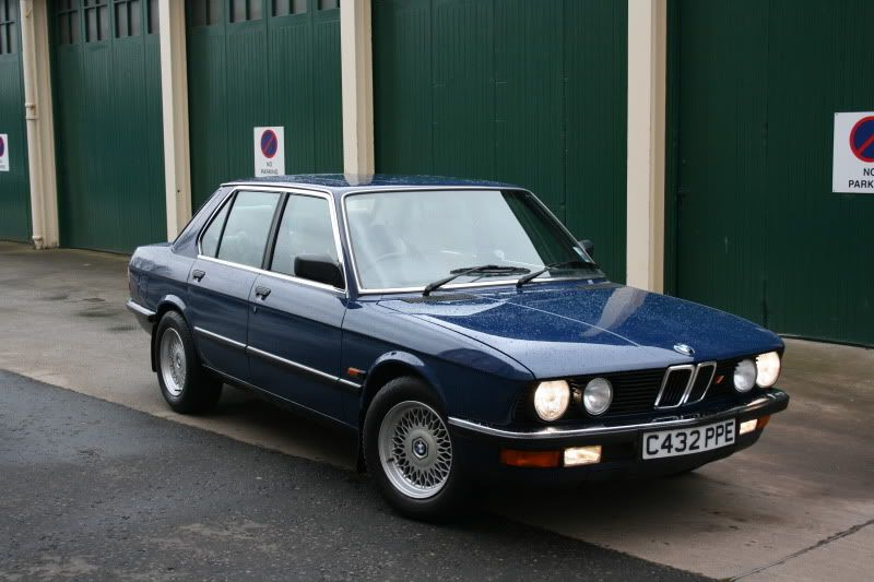 download BMW 528e workshop manual