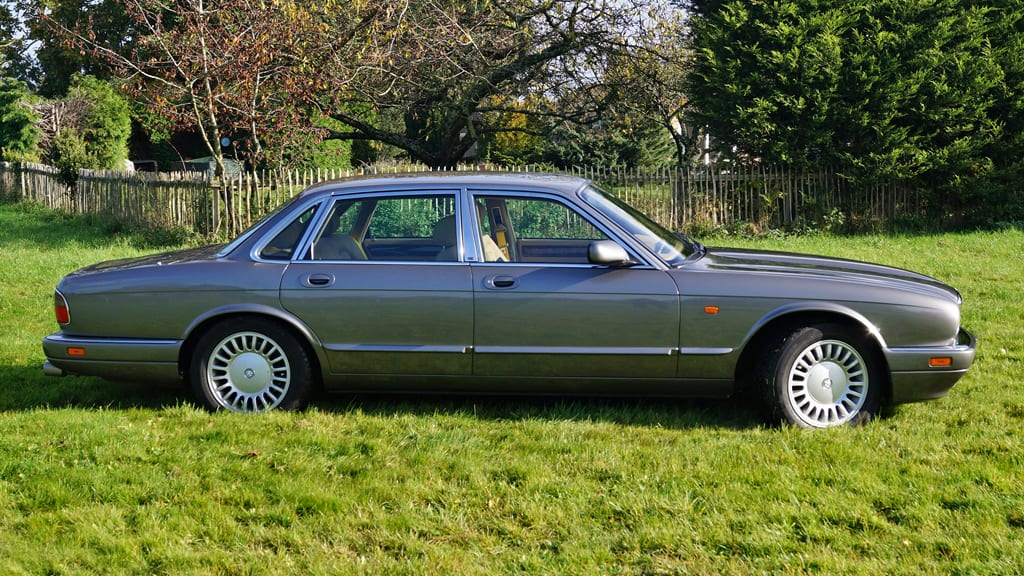download JAGUAR XJ12 X305 workshop manual