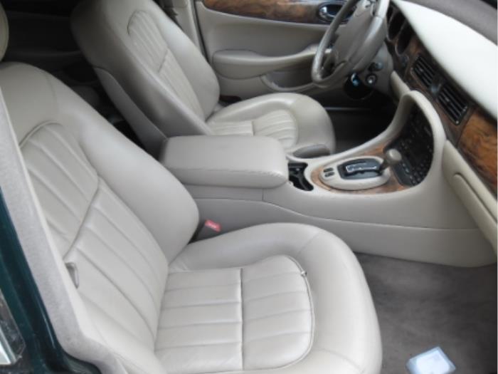 download Jaguar XJ V8 workshop manual