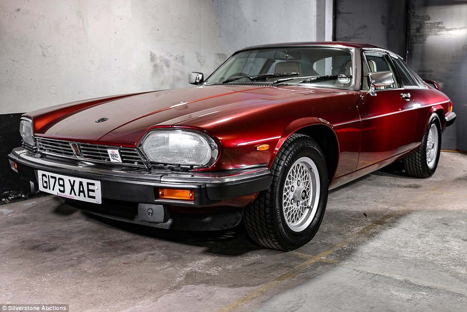download Jaguar XJS workshop manual
