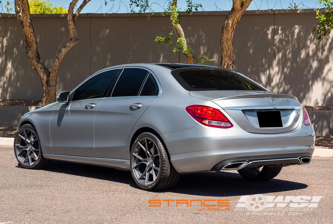 download Mercedes Benz C300 workshop manual