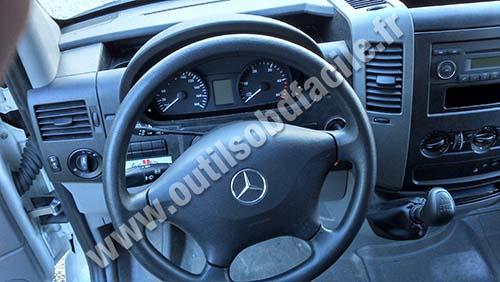 download Mercedes Benz Sprinter 2500 workshop manual
