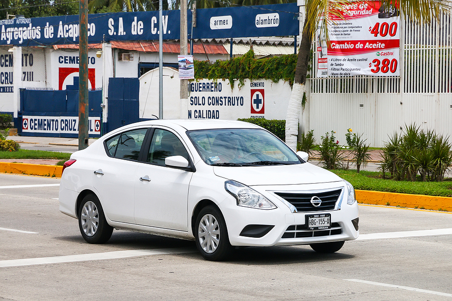 download Nissan Versa workshop manual
