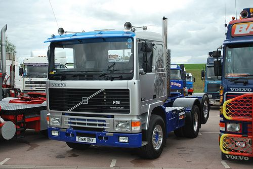 download VOLVO F12 Lorry Bus workshop manual